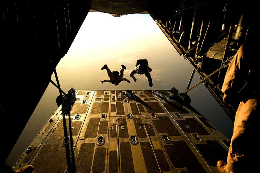 parachute-marketing-digital